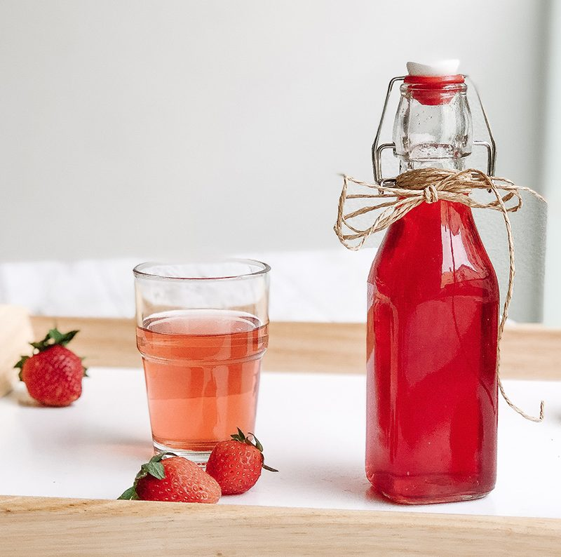 Erdbeersirup selber machen – Rezept lecker & einfach
