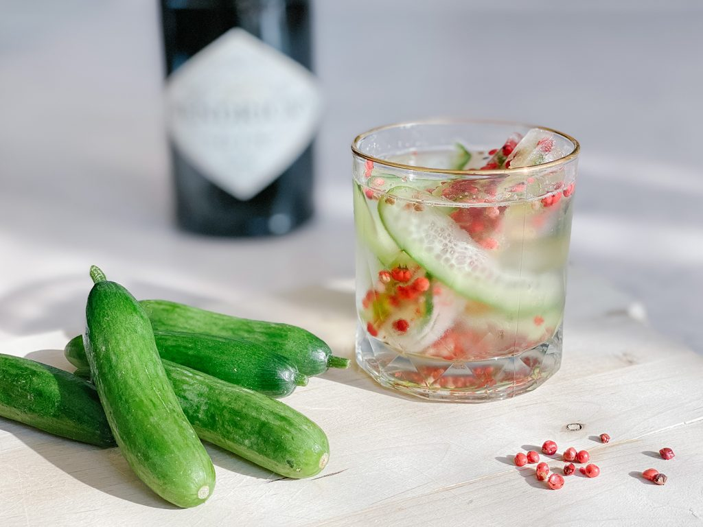 CF CosyFoxes Gin Tonic weihnachtlich rot grün Gurke roter Pfeffer