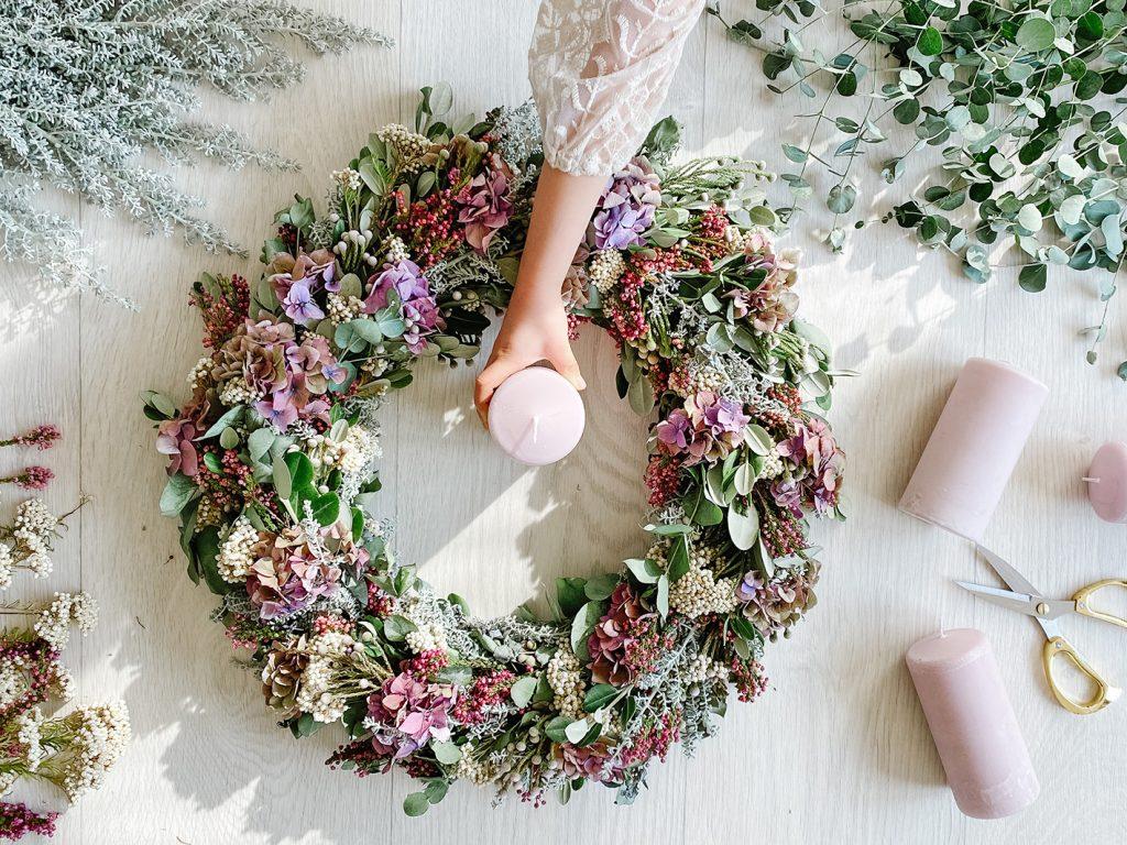 CF CosyFoxes Hortensien Adventskranz elegant altrosa rosa grün weiss