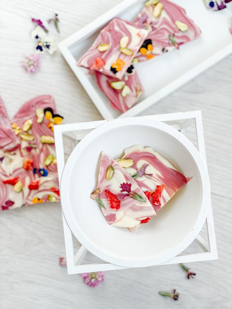 CF CosyFoxes Ruby Bruchschokolade essbare Blüten Callebaut