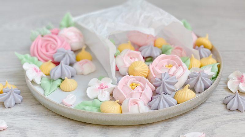CF CosyFoxes Baiser Blumenstrauß Muttertag Meringue Bouquet Blüten