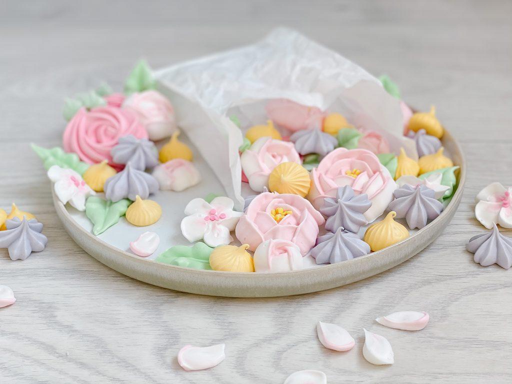 CF CosyFoxes Baiser Blumen Blumenstrauß Muttertag Meringue Bouquet Blüten